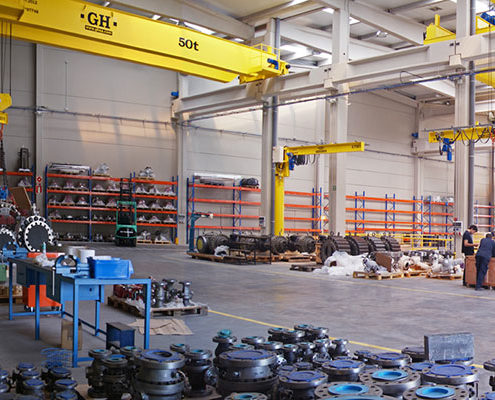 Jib Cranes in Warehouse